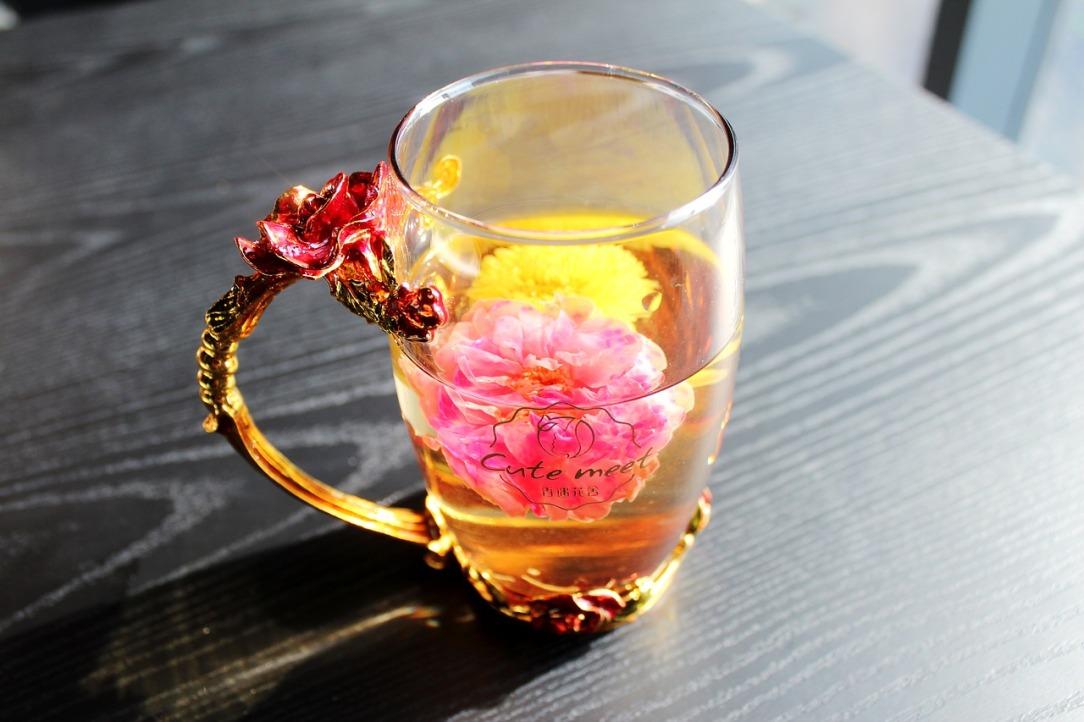 tea-rose-corolla-1871835_1280