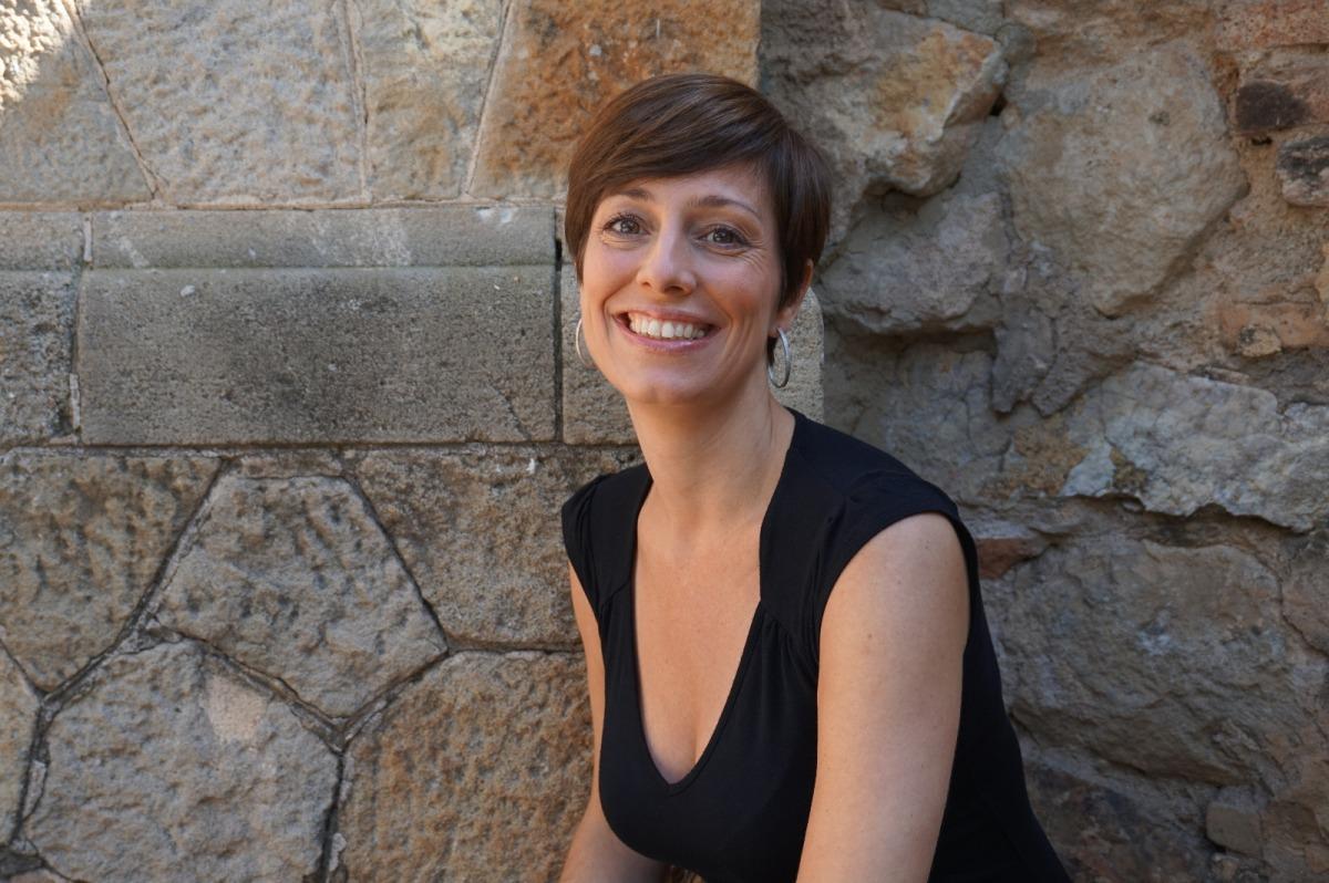 Marta Carnicero: «Cuando reescribes buscas el ritmo, el matiz, una palabra para lo que quieres decir y de la mejor manera posible».
